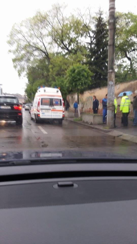Accident în lanț pe strada Avram Iancu. Un bărbat a făcut atac de panică - Știrea Cititorului