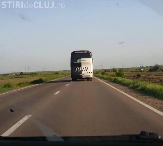Autocarul U Cluj urmărit de suporteri. Doreau să le ceară socoteală jucătorilor străini