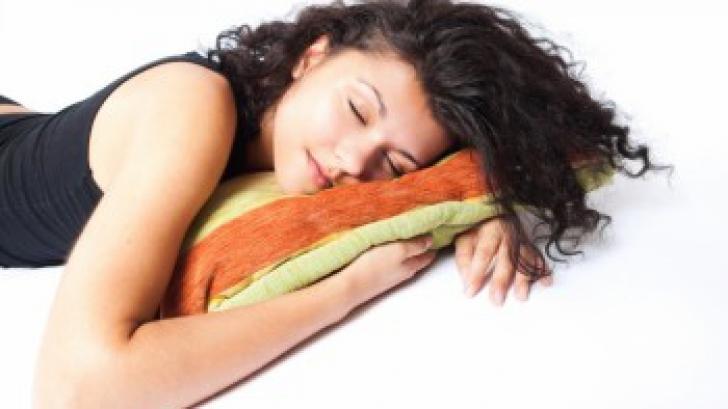"""Cât de importat este un """"pui de somn"""" la prânz"""