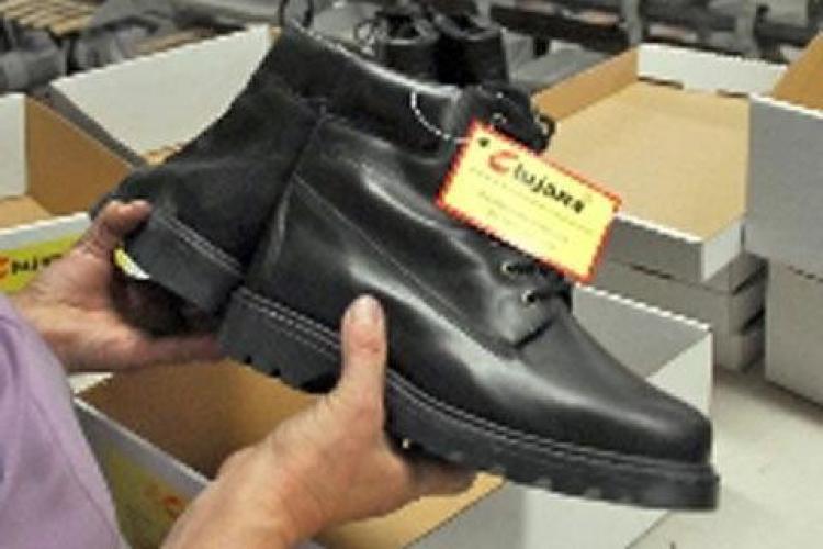Fabrica de incaltaminte Clujana face angajari
