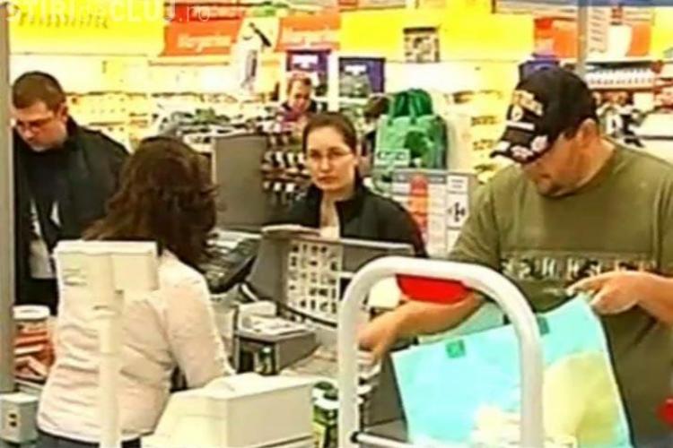 Clujenii au luat cu asalt supermarketurile- Vezi programul de sarbatori al supermarketurilor