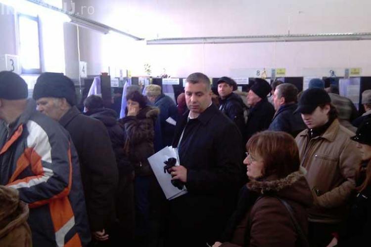 Clujenii au luat cu asalt primaria pentru a-si plati impozitele si taxele pe 2010