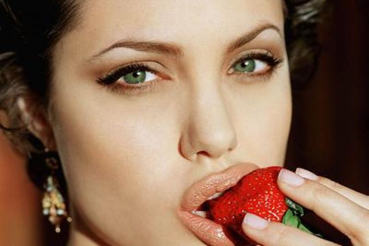 Top 10 Cele mai frumoase femei ale deceniului  - The Telegraph