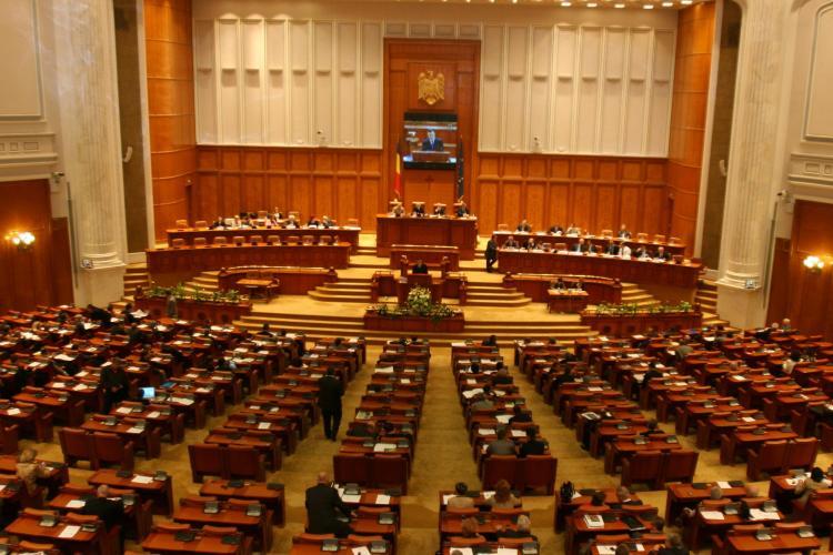 Boc a trecut de Parlament