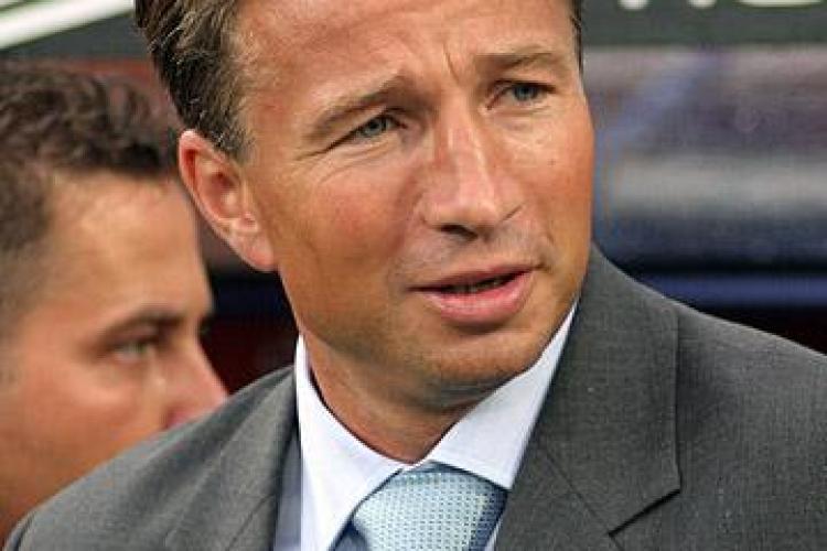 """Dan Petrescu, alias """"agentul Mulder"""" , este noul antrenor de la FC Kuban"""