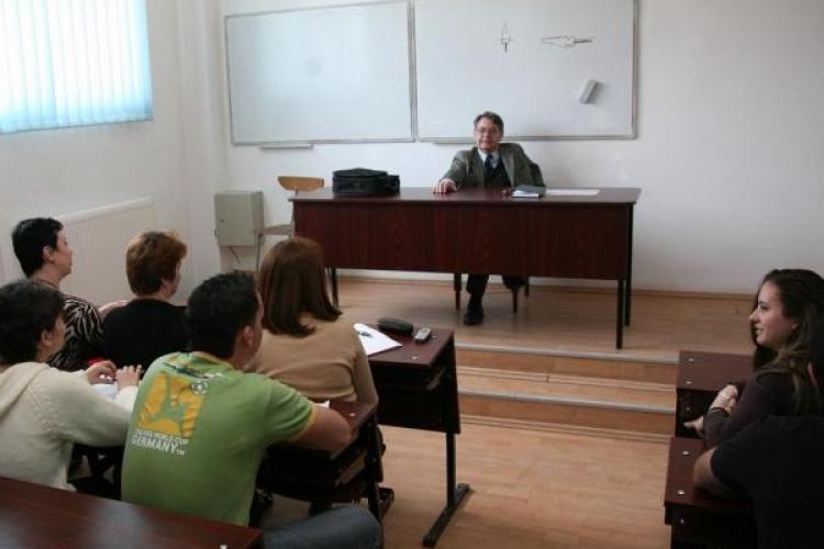 Profesorii vor primi pentru carti doar 130 de lei, in loc de 100 de euro