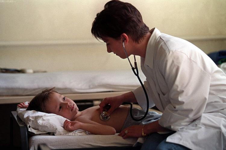 EXCLUSIV - La Cluj, testele pentru diagnosticarea gripei AH1N1 se fac doar pentru cazurile grave
