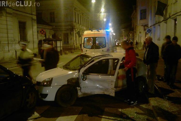 Un taximetrist s-a rasturnat de cateva ori, azi-noapte in Piata Pacii, dupa ce a fost lovit in plin de soferul unui Logan - VIDEO si FOTO