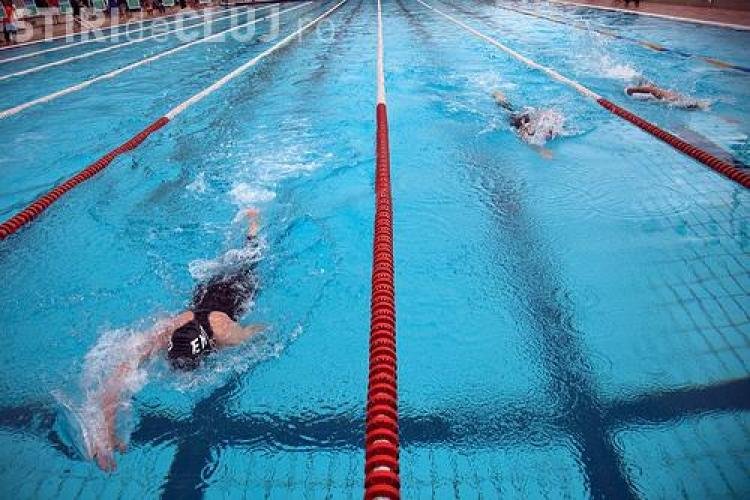 2.000 de lei, abonamentul anual la complexul de natatie al UBB