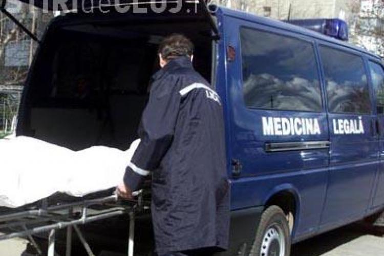 O angajata a IML Cluj cercetata de politisti pentru a furat, in ultimii doi ani, peste 200.000 de lei din salariile colegilor