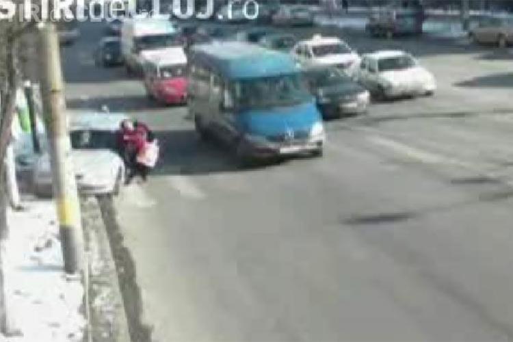 Camerele de supraveghere din Cluj-Napoca au surprins mai multe accidente-  VIDEO - Atentie Imagini Socante
