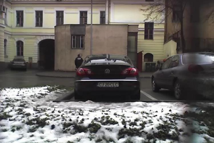"""Primarul Sorin Apostu, acuzat de """"nesimtire politica"""", pentru ca si-a cumparat din bani publici o limuzina-  FOTO"""