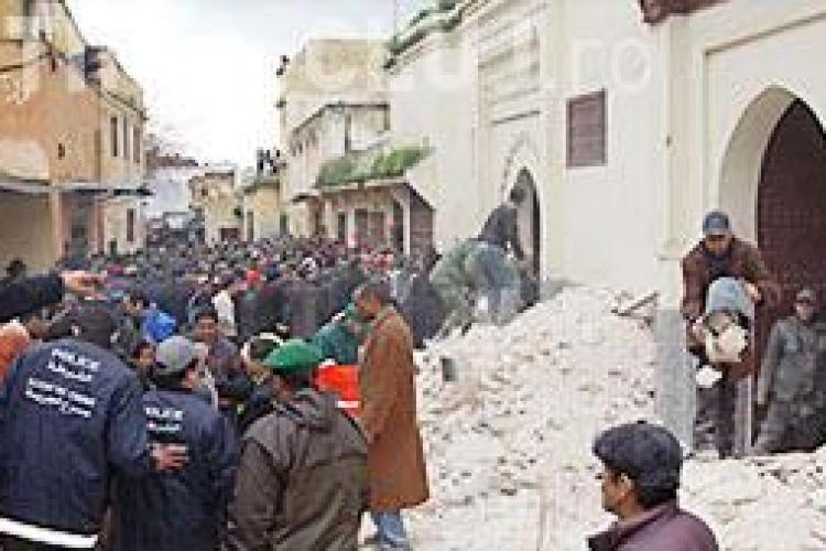 Turnul unei moschee din Maroc s-a prabusit peste sute de oameni! - VIDEO