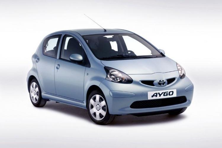 Toyota Romania cheama in service 12 500 de masini pentru verificarea acceleratiei. Nr tel in Cluj 0264-441214