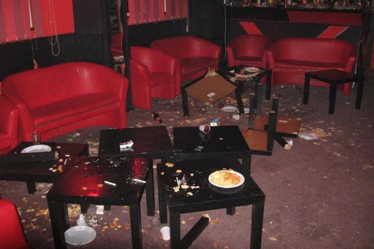 Scandal intr-un bar din Apahida. Un barbat a fost injunghiat si mai multe persoane au ajuns la spital