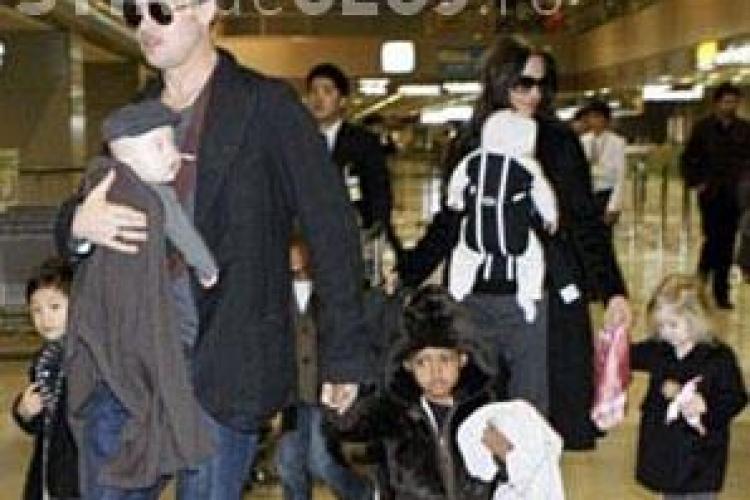Brad Pitt si Angelia Jolie si-au impartit averea. Fiecare ia 205 milioane de dolari