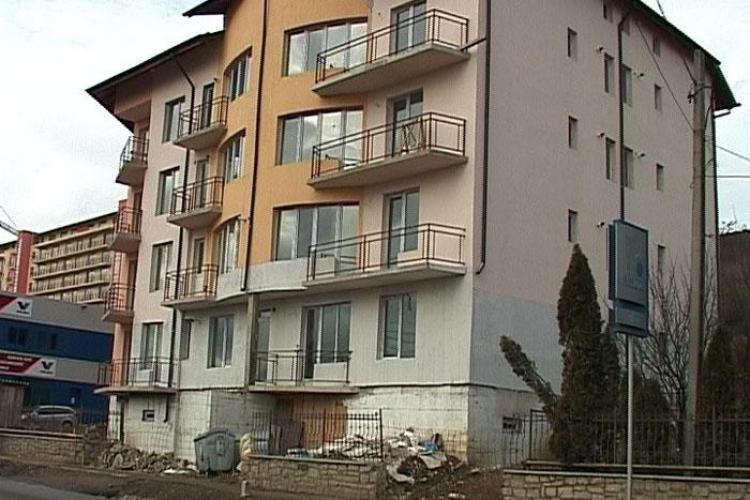 Teapa imobiliara. In 2008, au dat doua milioane de euro pe un bloc de pe Calea Baciului, din Cluj-Napoca, si nu s-au mutat nici astazi