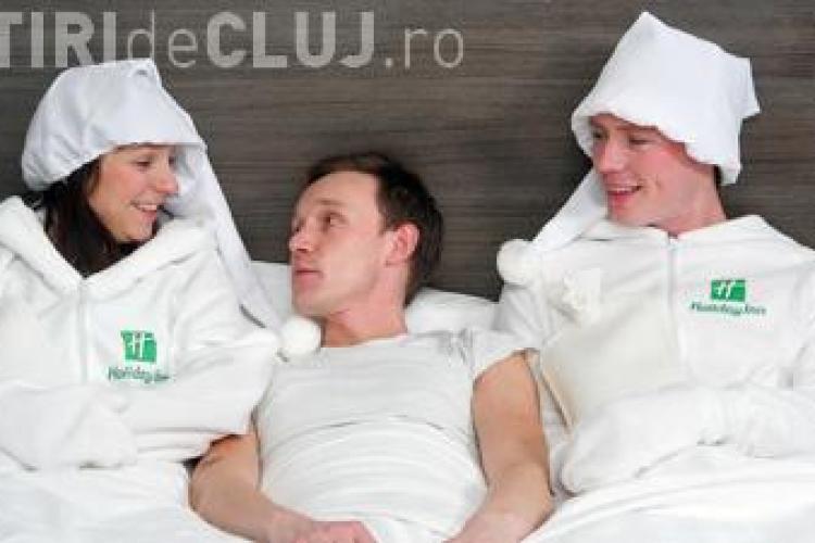 """Lantul hotelier Holiday Inn ofera clientilor...""""incalzitoare"""" umane pentru pat"""