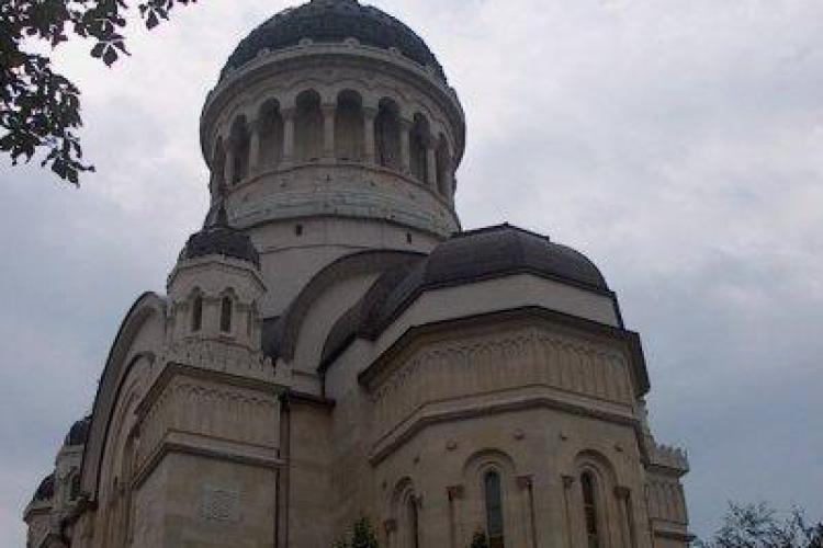 Arhiepiscopia Clujului strange bani pentru un centru de ingrijire a bolnavilor