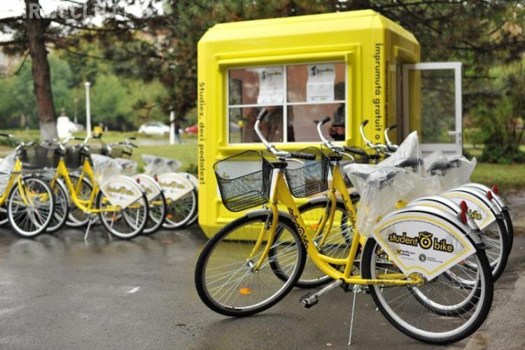 """""""StudentObike"""" muta bicicletele """"I Love Velo"""" de la Sala Sporturilor, in campusul Hasdeu"""