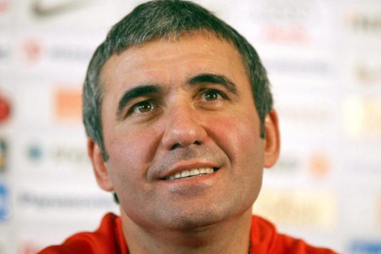 """Hagi l-a facut praf pe Razvan Lucescu, care a spus ca poporul roman e """"labil psihic""""!"""