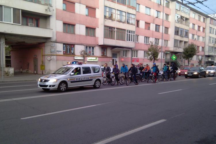 Studentii si absolventii facultatilor din Cluj au iesit cu bicicleta, la un mars, prin oras - VIDEO