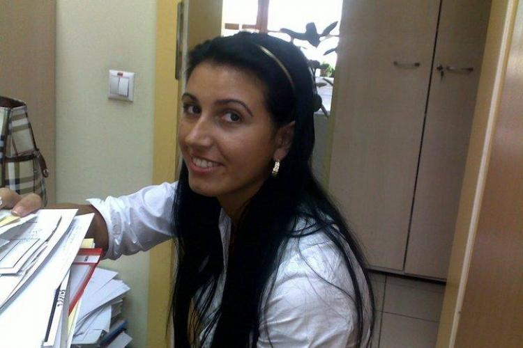 Mirela Perte, angajata care a furat din conturile de la Banca Transilvania, cere sa fie repusa in functie si sa primeasca despagubiri