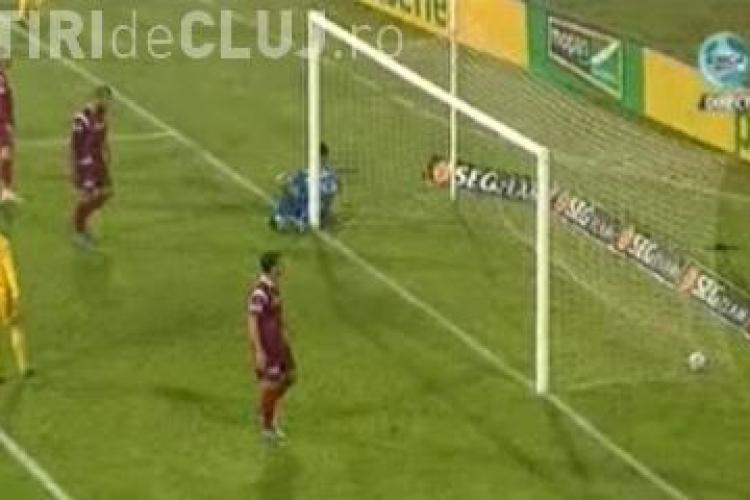 Nuno Claro, facut de ras de Adailton la al doilea gol! Portarul a scapat mingea din maini - VEZI faza