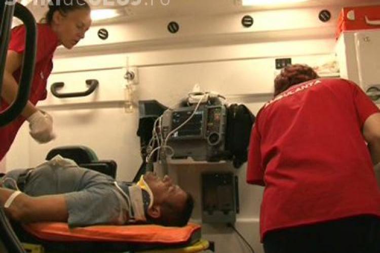 Accident in lant pe pasarela de la Polus Center! Conducatorul unui scuter a fost ranit grav
