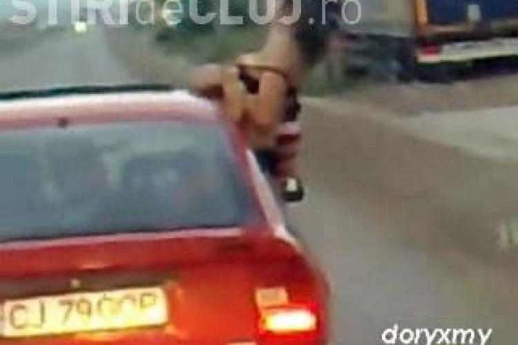 A iesit pe geamul masinii si si-a aratat sanii! O clujeanca a facut striptease pe DN 1C, in Apahida - VIDEO