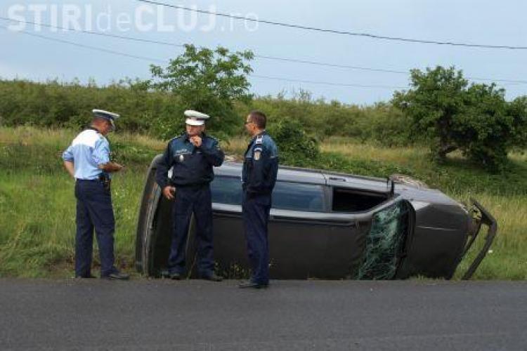 Accident spectaculos intre Mihai Viteazu si Cornesti! Masina a fost facuta praf, dar soferita a scapat nevatamata