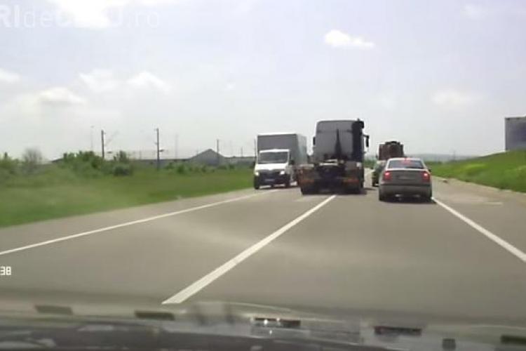 Șofer cu gânduri sinucigașe la Cluj, forțează o depășire ce îl putea costa - VIDEO