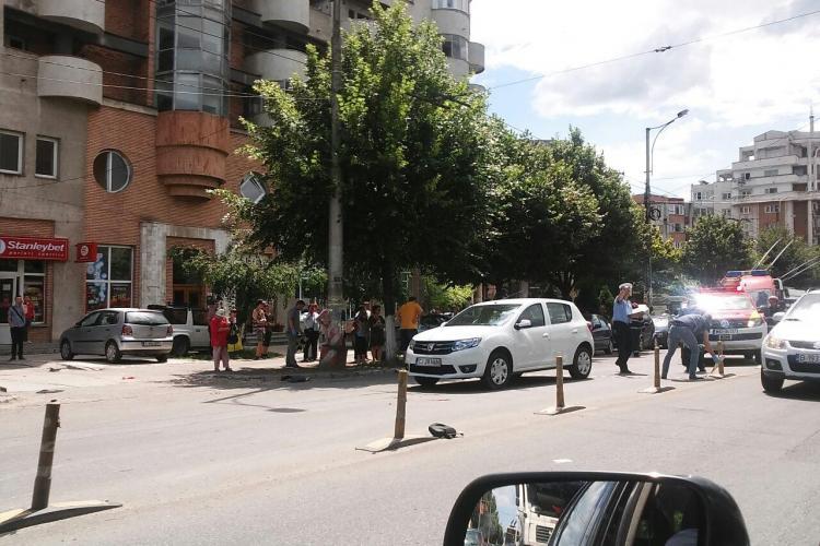 Accident pe Bulevardul Nicolae Titulescu! Un șofer grăbit a lovit un scuter și alte două mașini - FOTO