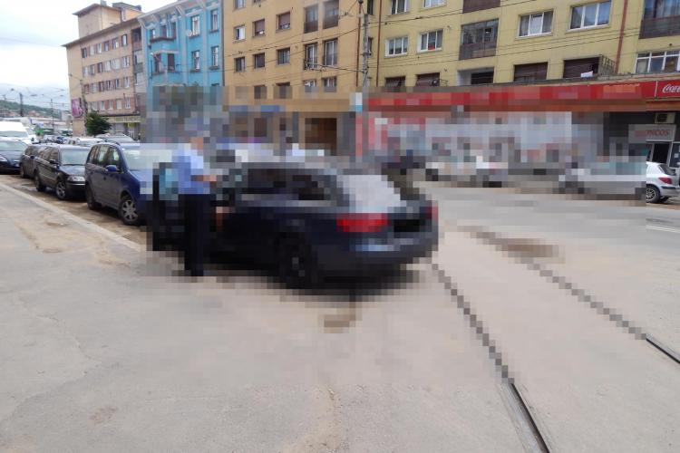 Un alt ȚĂRAN din Cluj a blocat tramvaiul lângă Piața Gării. Motivul ABERANT pentru care nu a fost RIDICAT?
