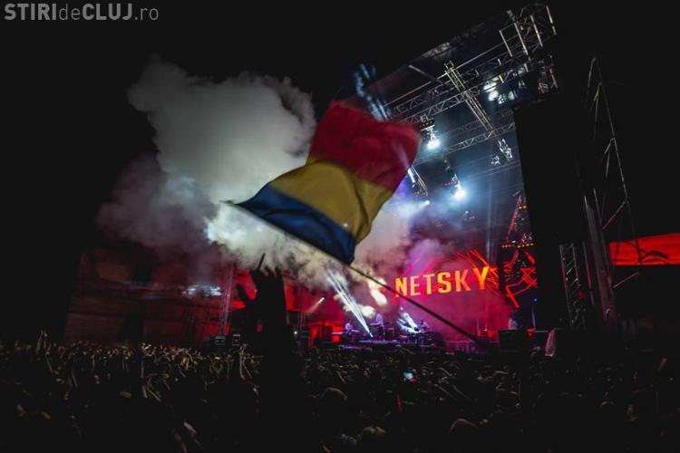 ELECTRIC CASTLE 2015 - S-au dat cu barca prin mulțimea de la festival - FOTO