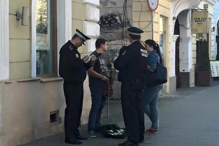 Ce spune Primăria despre artiștii stradali alungați de Poliția Locală. Susțin că nu au amendat pe nimeni