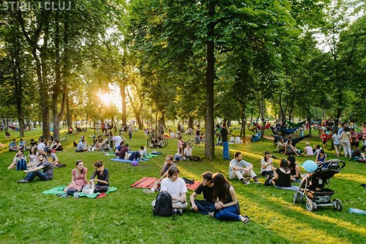 Mii de clujeni se distrează la Jazz in The Park în acest weekend FOTO
