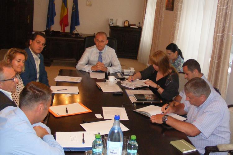 Consiliul Județean Cluj somează Asocierea condusă ATZWANGER SPA să nu își bată joc de Cluj