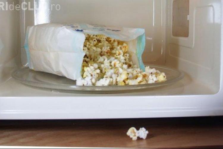 Mănânci popcorn la microunde? Citește și nu o să mai mănânci niciodată