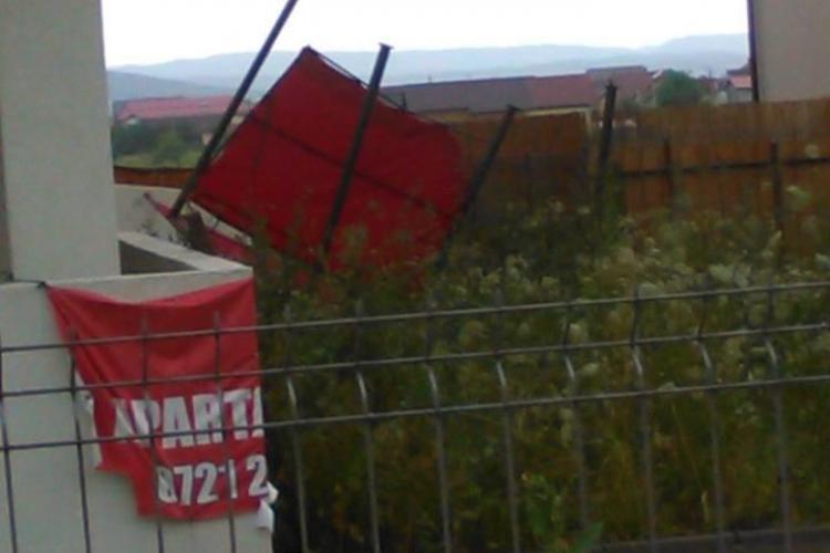 Furtuna a făcut RAVAGII în Florești. Au zburat dulapuri din balcoane VIDEO