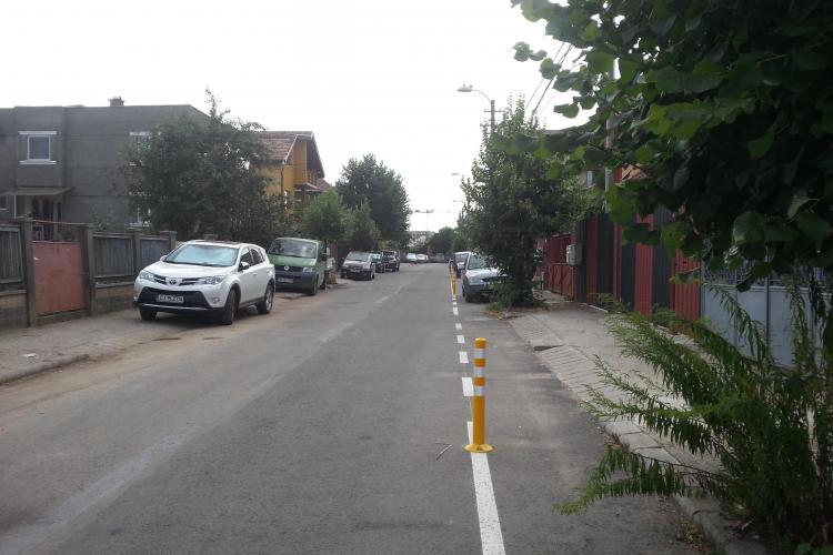 Clujeni AMENDAȚI după ce a apărut o pistă de bicicliști pe strada lor: Și noi unde PARCĂM - FOTO