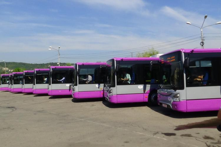 CTP Cluj a dat în folosință 10 autobuze noi. Problema e că nu sunt articulate - VIDEO