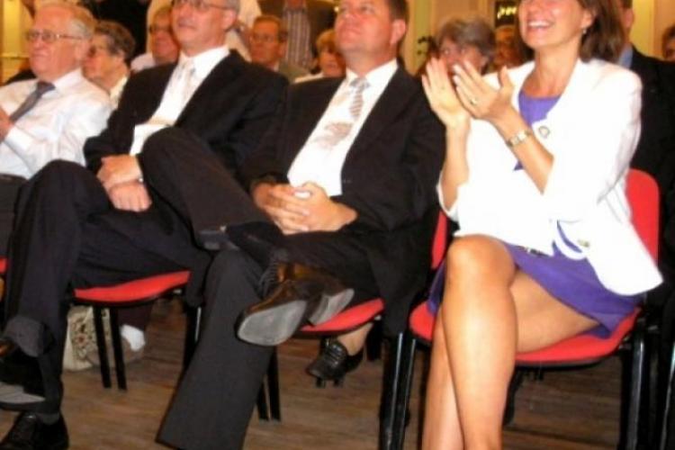 Ce vedetă o felicită pe Carmen Iohannis pentru vestimentația ei