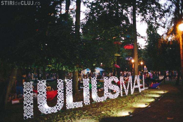 """Chill zone Iulius Mall la UNTOLD Festival. Vino să te relaxezi sub """"Copacul Fermecat"""" FOTO (P)"""