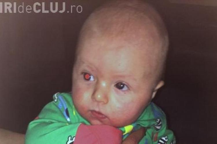 O mamă i-a făcut bebelușului ei o fotografie și a descoperit un lucru TERIBIL