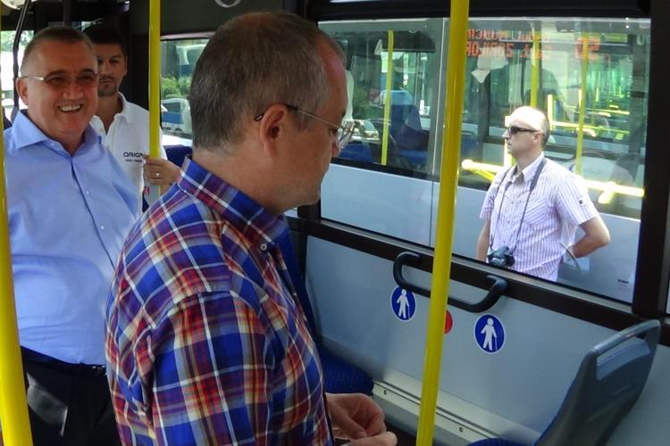 Emil Boc: Transportul în comun de noapte ar omorî taximetria din Cluj-Napoca
