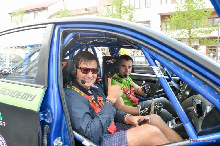 Un pilot de raliuri a făcut pe taximetristul la Cluj - Galerie FOTO