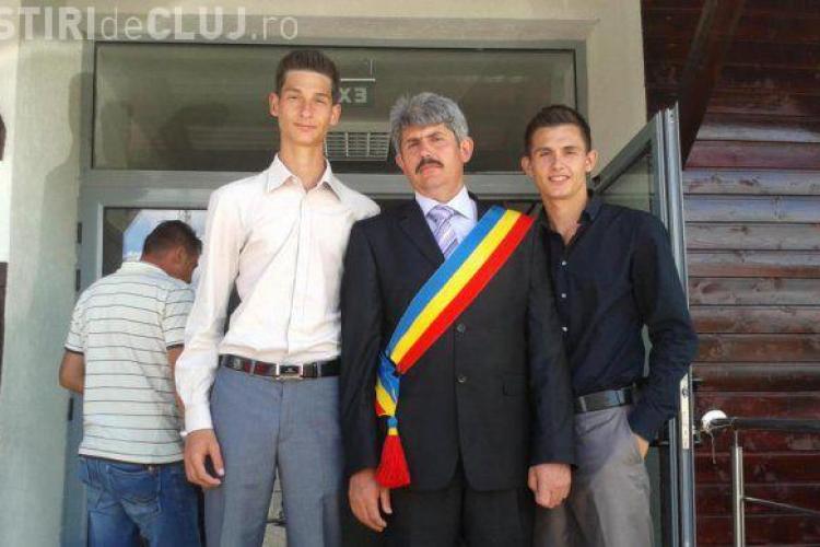 Copiii unui primar din Cluj, acuzați că TERORIZEAZĂ localnicii / UPDATE: E o mafie a țiganilor