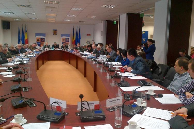 """Grupul PDL din Consiliul Județean Cluj îl amenință pe Seplecan. E RĂZBOI între """"liberali"""""""