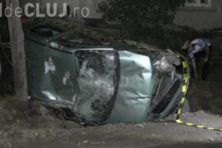 Accident spectaculos la intrare în Dej. Un șofer începător, beat la volan, s-a rostogolit cu mașina VIDEO